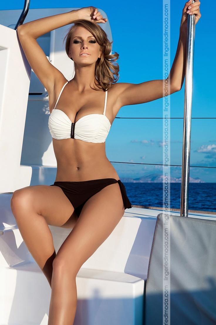 Prezioso, esclusivo costume da bagno bikini, con meravigliosi Swaroski ...