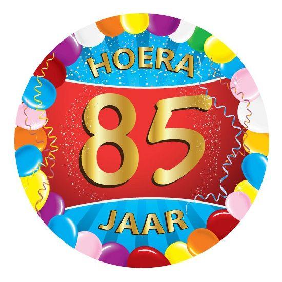 25 stuks vrolijk gekleurde bierviltjes met 85 jaar opdruk voor een 85ste verjaardag. Dubbelzijdig bedrukt.