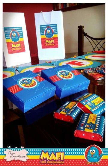 Fiesta Gallina Pintadita: cajitas para torta, chocolates sublime personalizados, Banderin y bolsas para sorpresas