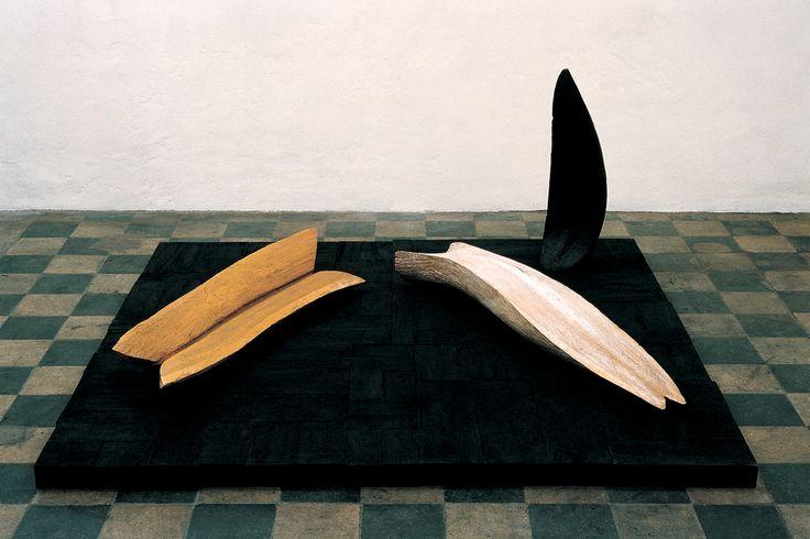 Nunzio nasce nel 1954 a Cagnano Amiterno (Aq).Tiene la sua prima mostra personale nel 1981 presso la Galleria Spatia di Bolzano. Partecipa a numerose mostre collettive e nel 1984 ha una personale presso la Galleria l' Attico di Roma, presentata da Giuliano Briganti. L'anno successivo espone alla Galleria Annina Nosei a New York. Nel 1986 partecipa alla Biennale di Venezia e riceve il Premio 2000 come migliore artista giovane. A mostre personali e collettive in Italia e all'estero si…