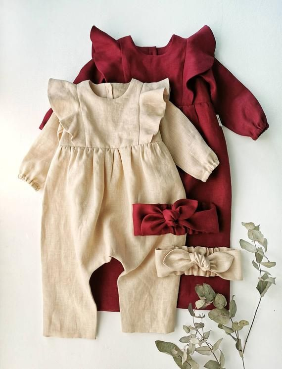 Breastfeeding mothers for initially usually cannot be certain if their children are sucking enough milk. Overalls Vintage, Baby Overalls, Baby Jumpsuit, Baby Dress, Baby Girl Fashion, Fashion Kids, Toddler Fashion, Fashion 2020, Fashion Design
