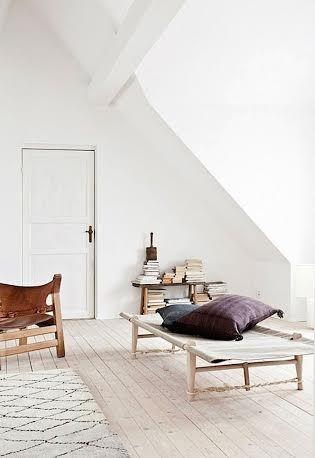 #daybed #savbriks #skovshovedmøbelfabrik #danskdesign #houseofbk #olegjerløvknudsen #ogk @houseofbk.com