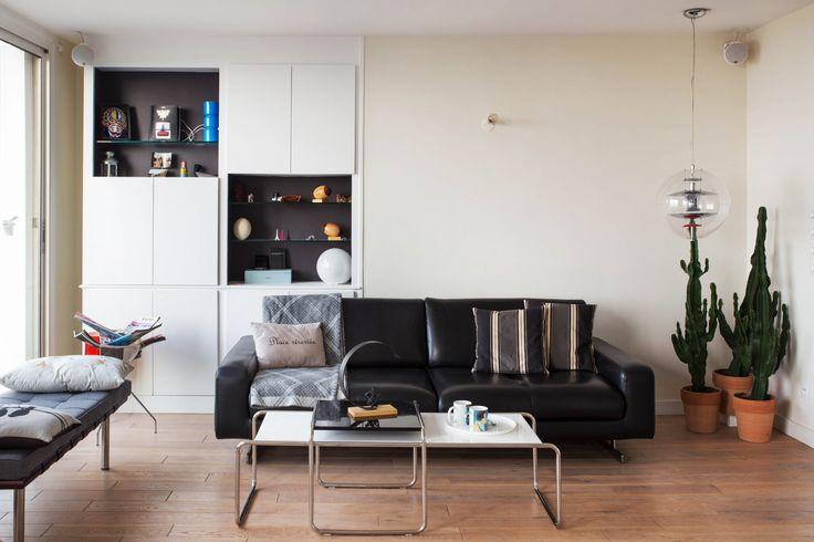 pin de tdjl partners investissement immobilier en un appartement parisien avec une vue. Black Bedroom Furniture Sets. Home Design Ideas