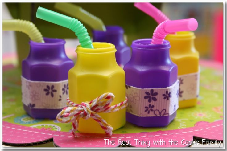American Girl Doll - DIY Drinking cups - Doll Accessories. Finally! A purpose for these annoying tiny bubbles containers.