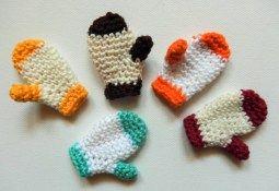 #crochet, free pattern, X-mas gloves, keychain, decoration, #haken, gratis patroon (Engels), sleutelhanger want, Kerstmis, #haakpatroon