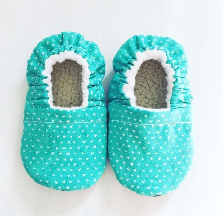 Hearts baby shoes, hearts fabric, Aqua baby booties, Aqua moccasins, moccs, baby nursery, baby shower gift, baby bag ideas, baby must haves, toddler slippers, toddler shoes