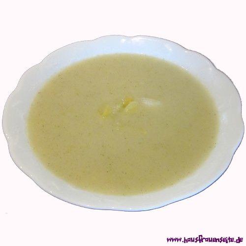 Porreesuppe eine ganz einfache und sehr preiswerte Porreesuppe Wer die Butter mit Öl ersetzt, kann sie auch vegan zubereiten vegetarisch