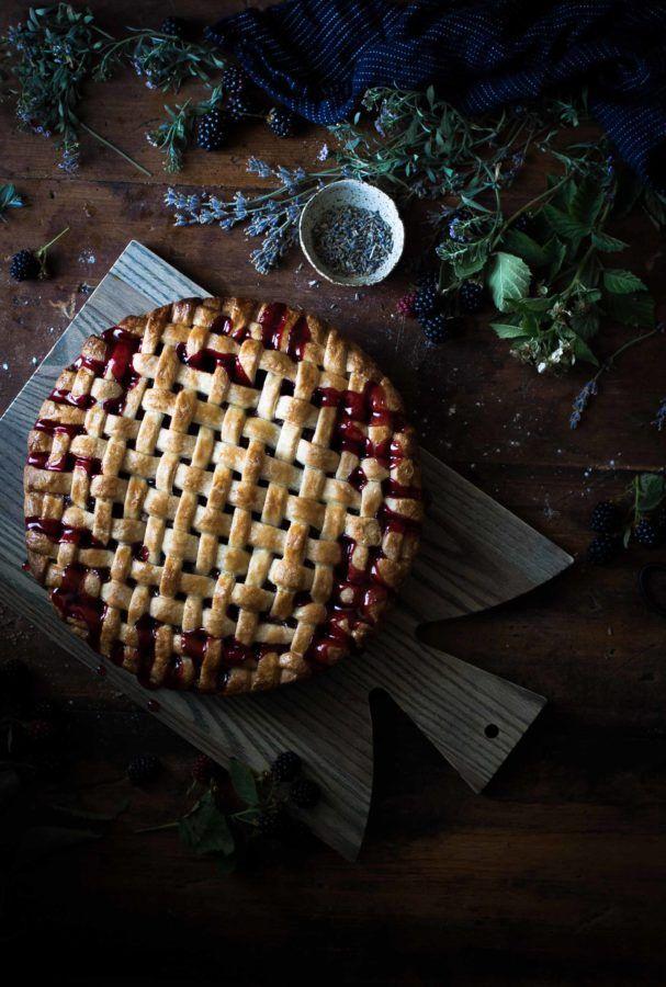 Blackberry, lemon & Lavender Pie - Pie mirtilli, limone e lavanda