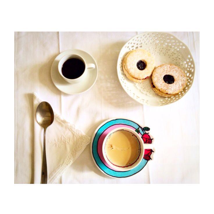 Latte,caffè e biscotti fatti in casa per iniziare al meglio la giornata