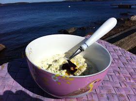 Sås på brynt smör och creme fraiche till rökt eller grillad fisk