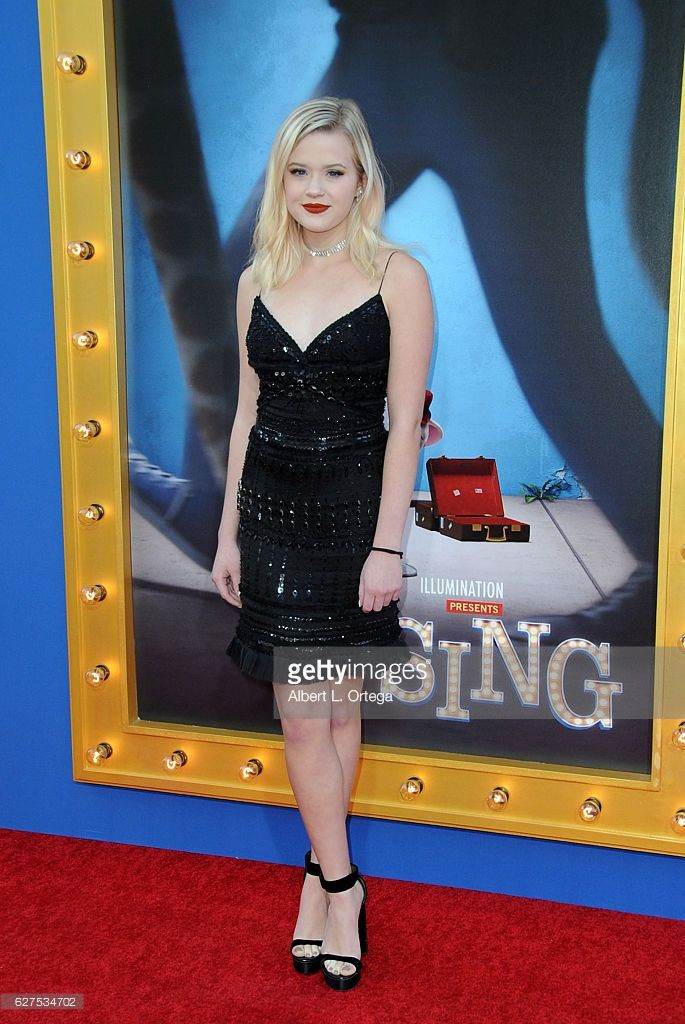 Ava Elizabeth Phillippe arrives at the Premiere Of Universal Pictures' 'Sing' held at Microsoft Theater on December 3, 2016 in Los Angeles, California.  (Photo by Albert L. Ortega/Getty Images)