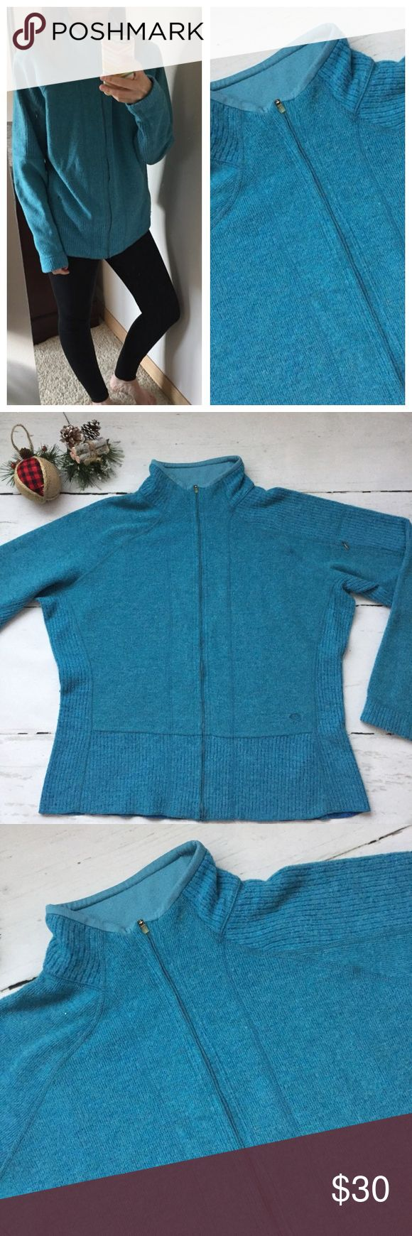 "Mountain Hardwear Turquoise Jacket Mountain Hardwear Turquoise Mock Neck Zip Up! Zip compartment on the Sleeve! Size: XL Measurements: B 24"" L 26"" Polyester Wool and Nylon Mountain Hardwear Jackets & Coats"