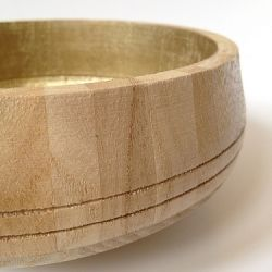 Turn a craft store wooden bowl into an embarrassingly glamorous catch-all with a little liquid gilding.: Catchal Bowls, Wooden Bowls, Bowls Tutorials, Catch Al Bowls, Wood Bowls, Clever Diy, Crafts Stores, Gild Wood, Liquid Gild