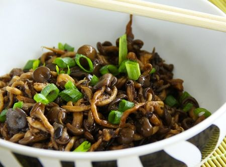 Shimeji na Manteiga - Veja como fazer em: http://cybercook.com.br/receita-de-shimeji-na-manteiga-r-2-118005.html?pinterest-rec