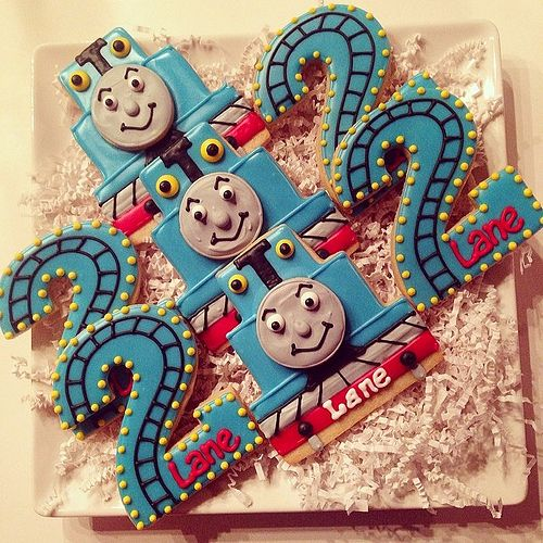 1000 Ideas About Thomas Train Cakes On Pinterest Train