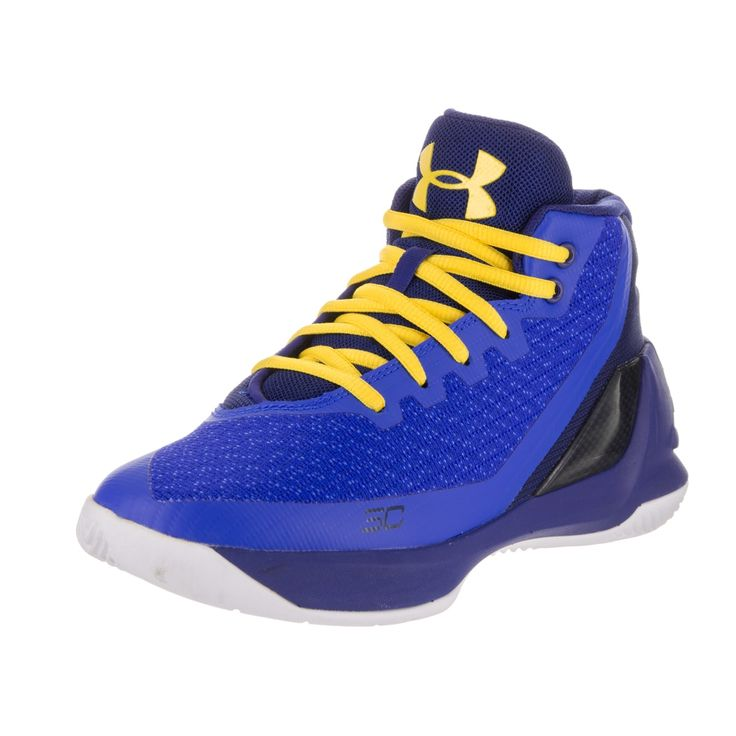 Watch your little one score in these kids' Under Armour basketball shoes. The basketball shoes feature an anti-microbial sockliner to mold to your child's foot and anti-friction top cloth to reduce fo