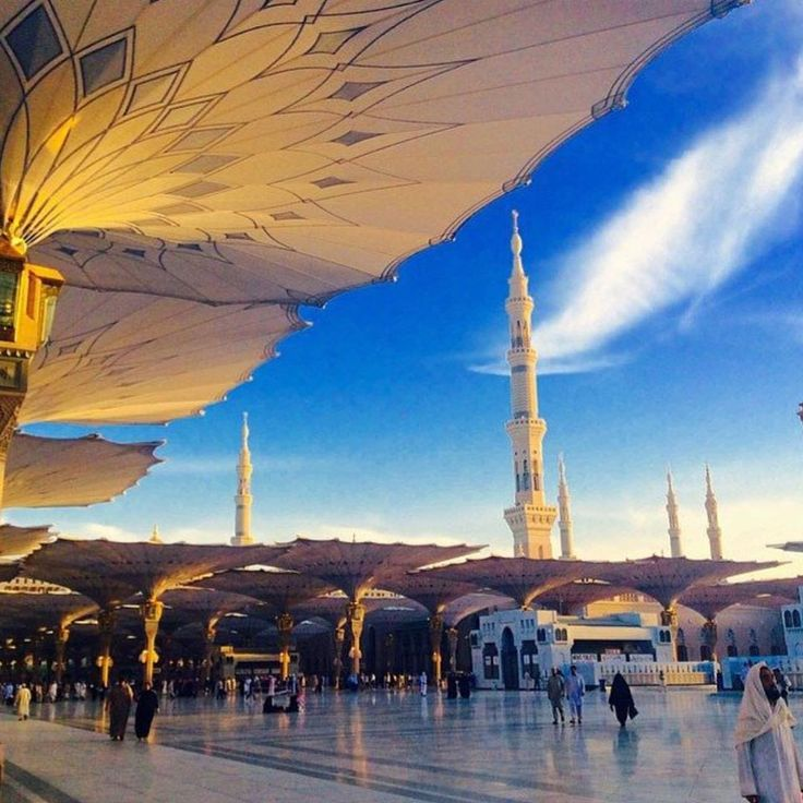 Courtyard of Masjid Nabawi, Madinah - courtesy of IslamicThinking