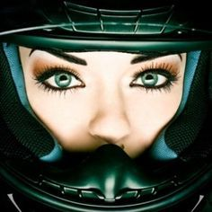 motorcycle women eyes - Google-haku