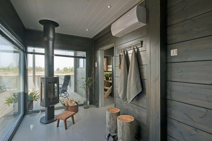 Vuoden 2014 loma-asuntomessut järjestettiin Kalajoella, upeissa merellisissä maisemissa. Honka esitteli messuilla modernin, valoisan huoneistoalaltaan 100-neliöisen hirsihuvilan ja sen tyyliin sopivan rantasaunan. Vuoden 2015 Asuntomessut järjestetään Vantaalla.