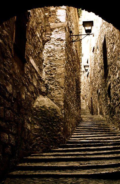 Call jueu  // Old Jewish Quarter - Girona -  Catalonia