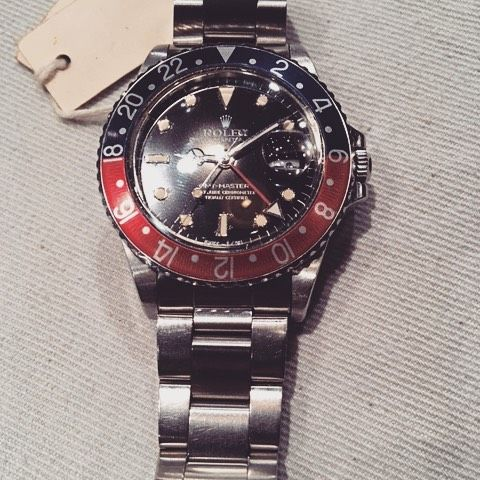 Rolex SS Oyster Perpetual GMT-Master, reference #16750, serial #8901284, 27-jewel automatic movement #1102444, caliber #3075, round screw back case, black dial, luminous dot, rectangle & triangle markers, Mercedes/skeleton hands, center sweep second hand, red 24-hour hand, date aperture @ 3, blu