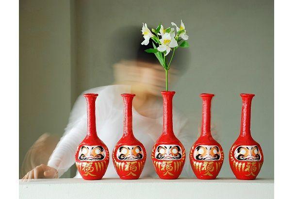 世にもめでたい、だるまの花瓶「DARMA Formless」