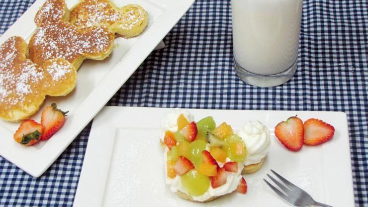 Panqueca com salada de fruta: uma combinação feliz