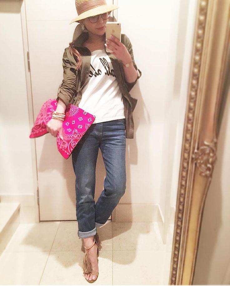 今日のコーデはアーバンサファリな大人カジュアル前に お話したガールフレンドデニム 初履きー ウエスト少し大きめに作ったのが 楽ちん度増して 大正解 締め付けゼロ感が心地良い仕上がりに スキニーデニムとは また違う履き心地に感動 ブレアbyモエリー@blair_brand_official  #moery #fashion #ootd #new #safari #シャツ #tシャツ #デニム #ガールフレンドデニム #フリンジ #bag #ペイズリー #ハット #靴 #大人カジュアル #love #instagood #benim #カーキ #ママコーデ