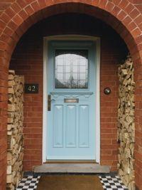 http://www.oldenglishdoors.co.uk/wooden-front-doors/traditional-front-doors/1930s-entrance-door/