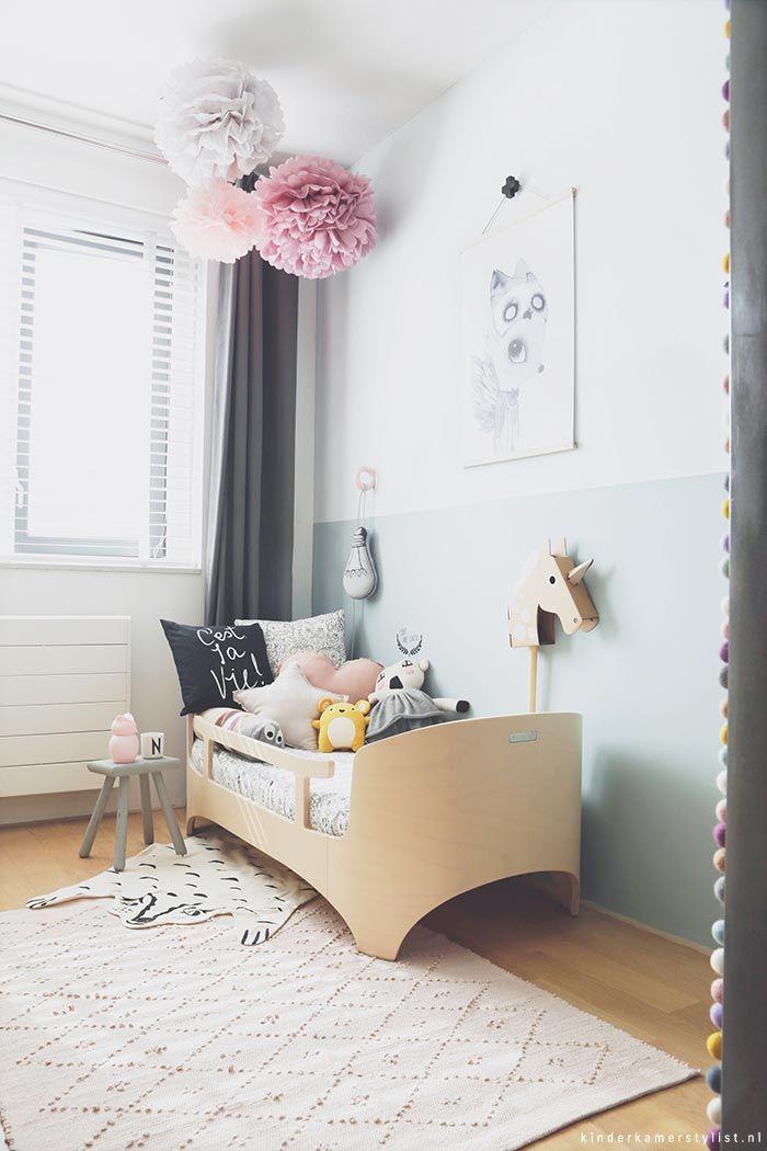 Chambre enfants toute en douceur, lit design bois clair | soft kid's room, Light Modern Wood bed