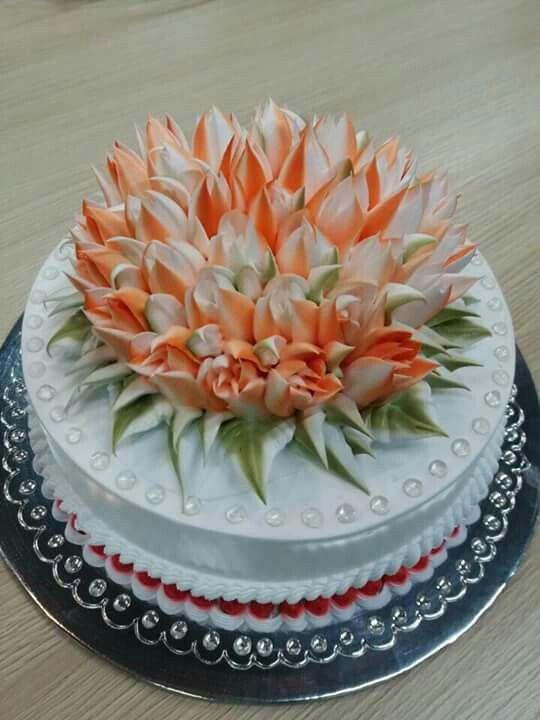 Dort krémový * narozeninový - zdobený tulipány.