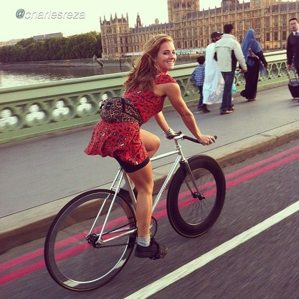 "girls-on-bicycles: ""Girl On Bicycle http://girl-on-bicycle.blogspot.com/ """