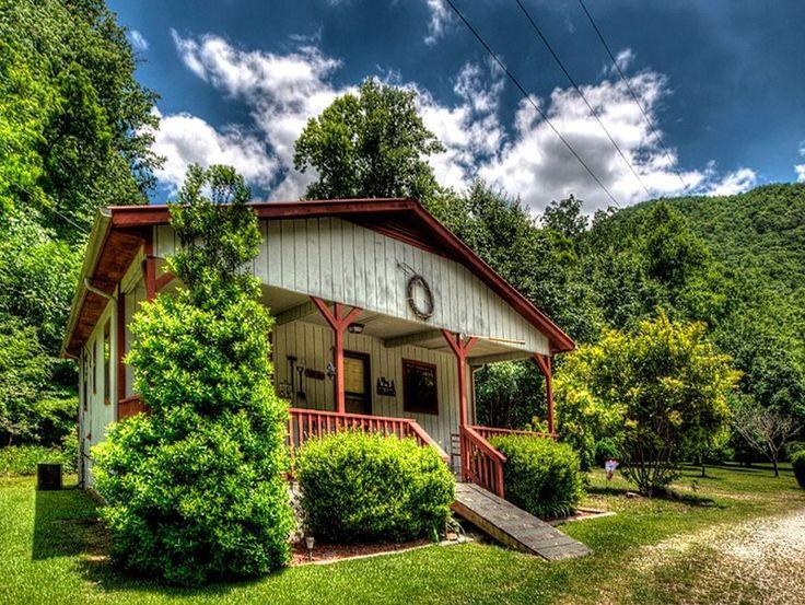 Wolfu0027s Den   Bryson City Cabin Rentals North Carolina Mountain Fishing  Cottage On Creek U2013 Wireless