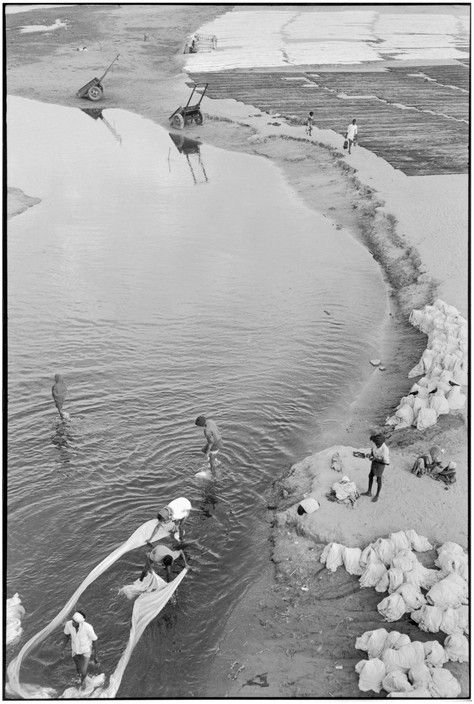 Magnum Photos Photographer Portfolio Henri Cartier-Bresson INDIA. Gujarat…