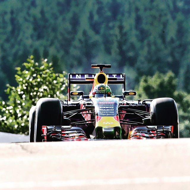 What's that coming over the hill...? After 25 blank days #F1 is back under way! #FP1 #BelgianGP #Spa #RedBull #Formula1 # by f1