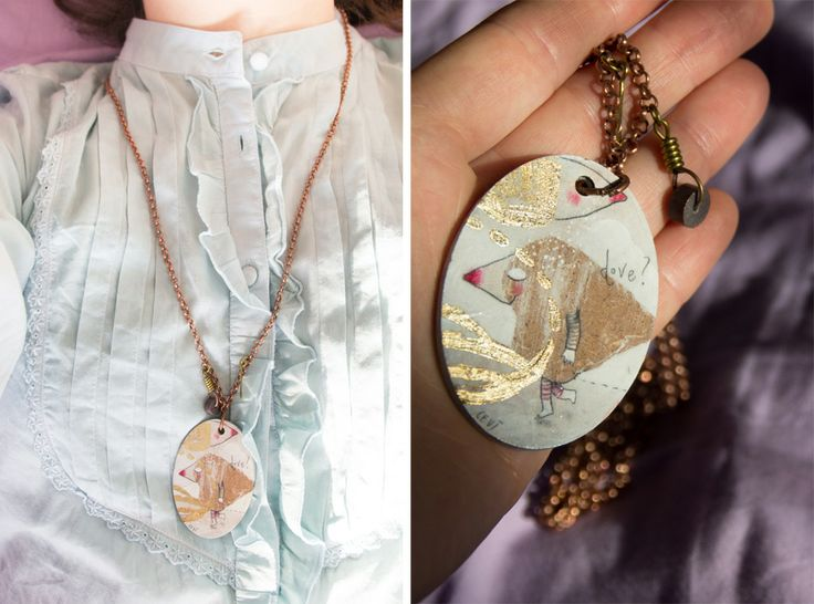 painted wood + golden leaf necklace by Cevì