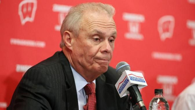 Wisconsin men's basketball coach Bo Ryan announces his retirement during a news conference after Wisconsin defeated Texas A&M-Corpus Christi 64-49 on Tuesday, Dec, 15, 2015, in Madison, Wis. (Amber Arnold/Wisconsin State Journal via AP)