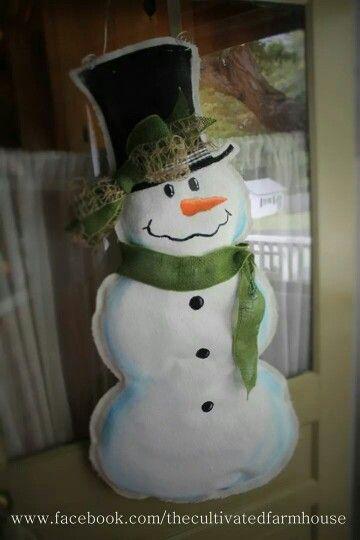 My adorable snowman burlap door hanger!! Just love how he turned out! & 1049 best burlap door hangers images on Pinterest | Burlap crafts ... pezcame.com