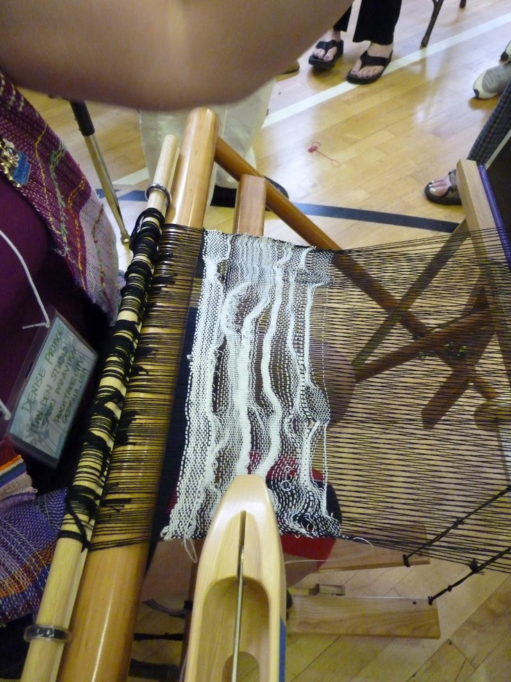 White on black weaving. Saori weaving