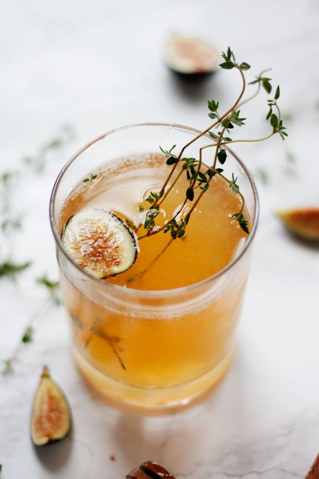 Sparkling Fig and Honey Cocktail   http://helloglow.co/sparkling-fig-honey-cocktail/