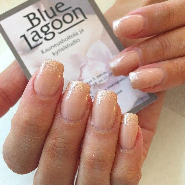 #cnd #cndnails #nails #Nailstagram #nailcandy #kynnet #rakennekynnet #geelikynnet #geelilakka #shellac #gelpolish #gelnails #nudenails #glitternails #barechemise