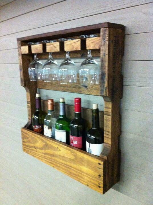 Best 25 pallet wine racks ideas on pinterest kitchen for Pallet wine bar