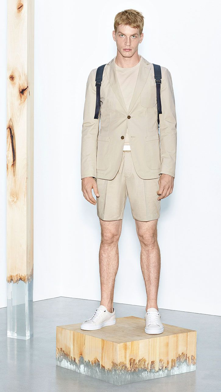 A tailored look for summer from the BOSS Menswear Spring/Summer 2016 lookbook