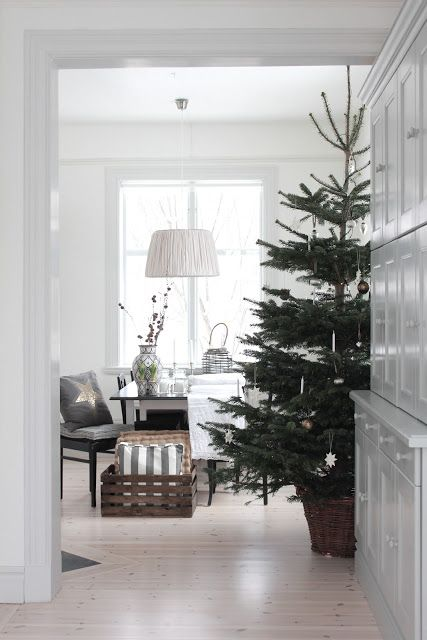 simple and beautiful Christmas decor