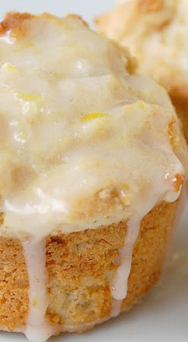 Honey Lemon Muffins - perfectly light and lemony and topped with sweet lemon glaze. With coffee or hot tea, or with iced tea, these delicious muffins will cure your sweet cravings! ❊