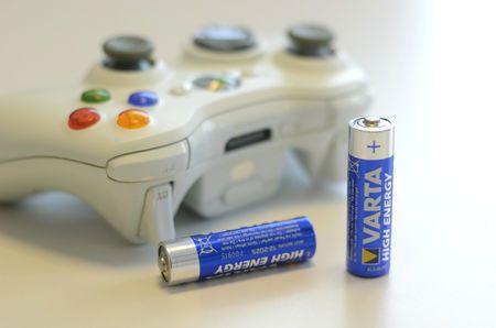 LETTVINT: Med dette trikset kan du fort sjekke om engangsbatteriene dine er ubrukte, eller om de bør returneres til butikken.  (Foto: AKSEL RYNNING)