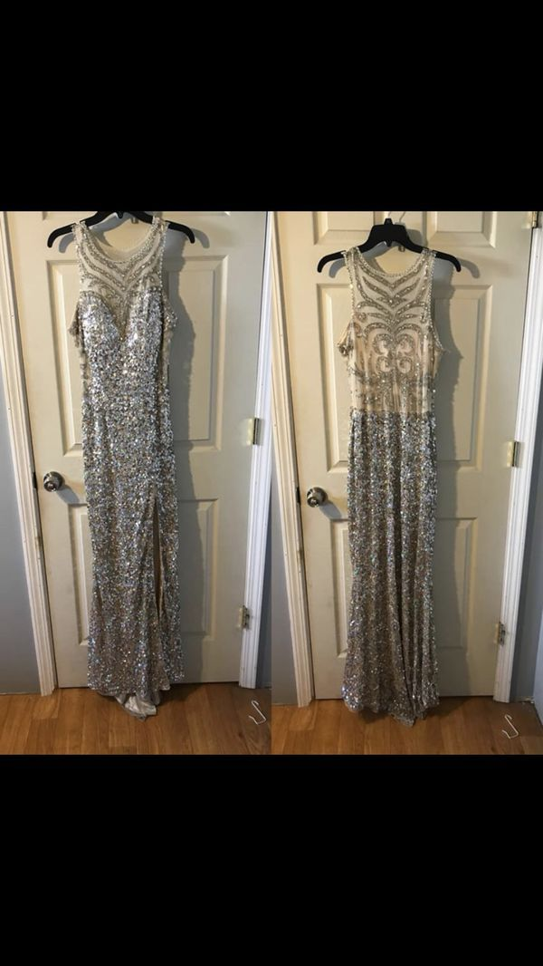 Prom dress for Sale in Quincy, IL in