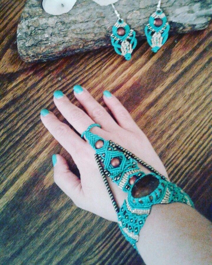 #macrame #macramebracelet #macramejewel #micromacrame #macramewithbeads #macramewithstone #slavebracelet #ringbracelet #handmade #jewels #colors #colourful #accessories #bohostyle #boho #colourful #colors #summer