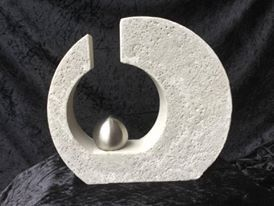BETONGIESSFORM  Beton Giessform - Skulptur versetzter KREIS  Höhe: 25 cm Breite: 28 cm Tiefe: ca. 6,4 cm   Weitere Größen im Shop oder auf Anfrage!   Auf den Bildern siehst Du einmal...