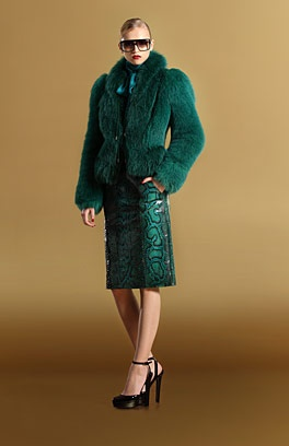 who doesn't need a green fur coat?: Fur Coats, Fur Jackets, Green Python, Green Fur, Green Foxes, Fashion Finding, Fall Winter, Collars Fur, Foxes Fur
